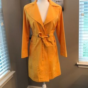 Micheal Kors Sunny Yellow Trench!!  Size XS🎉🧥🌂